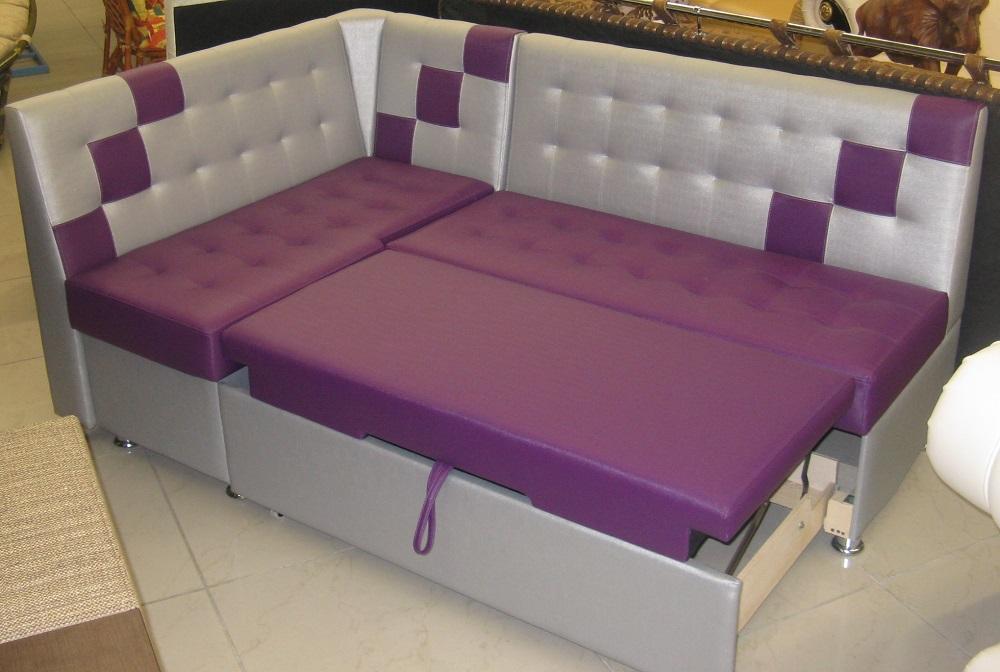фиолетовый диван со спальным местом для кухни