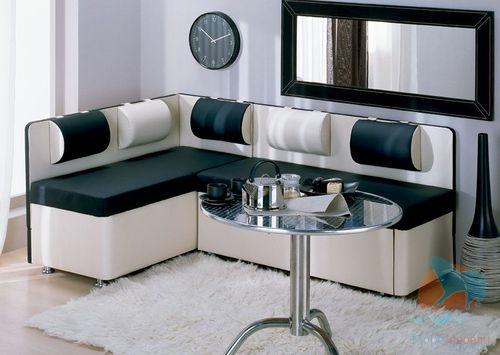 диван с накладными подушками со спальным местом для кухни
