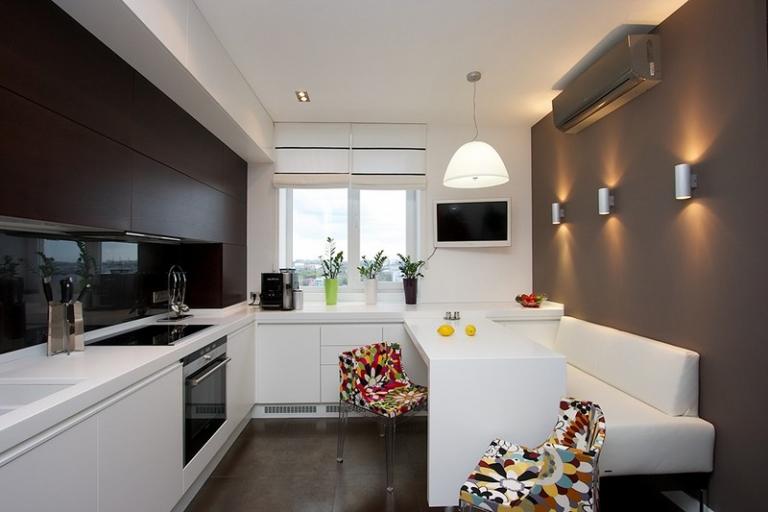 чёрно-белая кухня 13 кв. метров