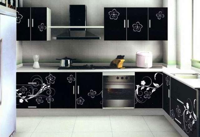 Дизайн черной угловой кухни