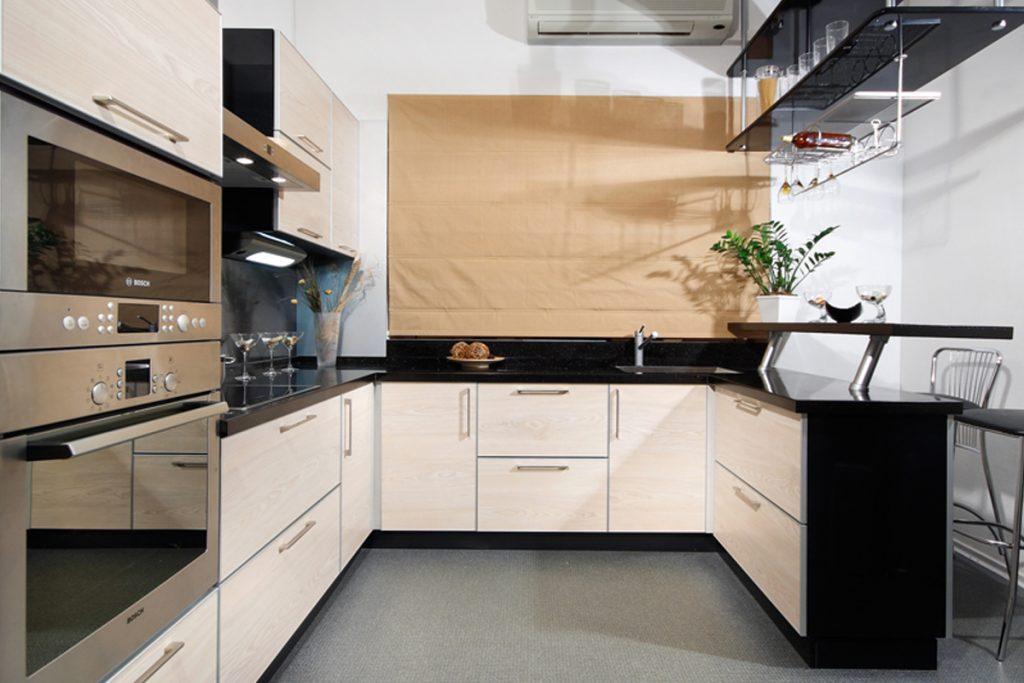 рулонные шторы на кухне 7 кв.м.