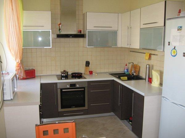 простая бюджетная кухня 7 кв.м.