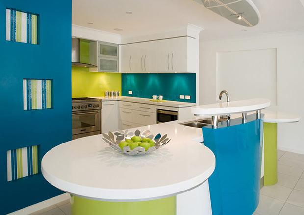 зелёный и голубой на кухне