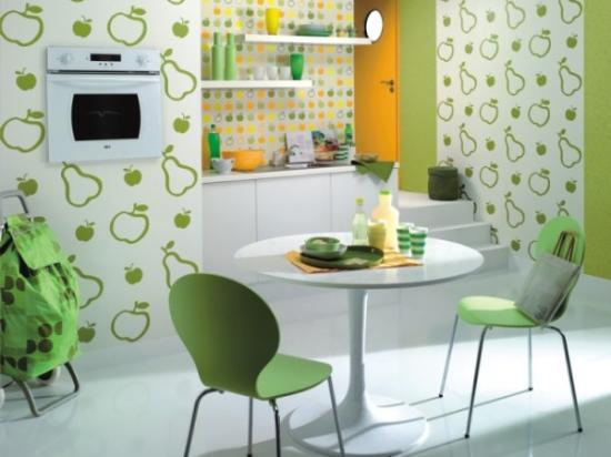 комбинирование зелёных обоев на кухне