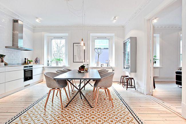 красивый интерьер белой кухни