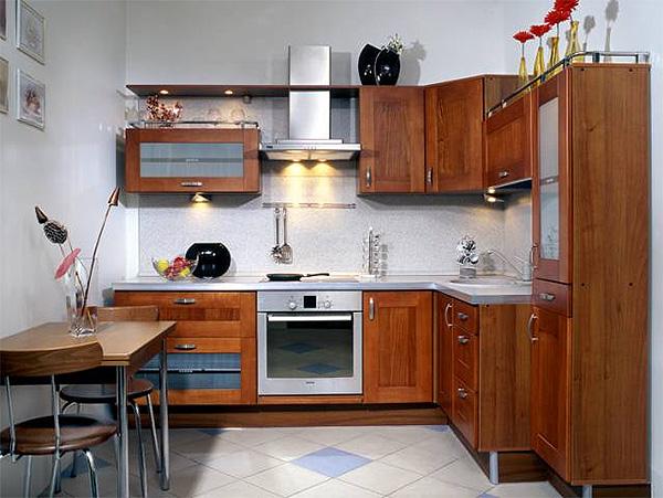 деревянная кухня 10 кв.м
