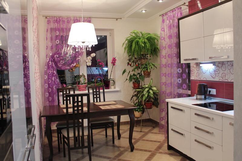 белая кухня 3 на 3 метра