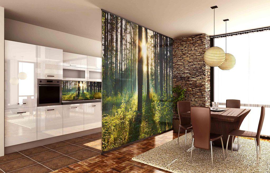 зонирование декоративной перегородкой с фотообоями кухни-гостиной 17 кв.м.
