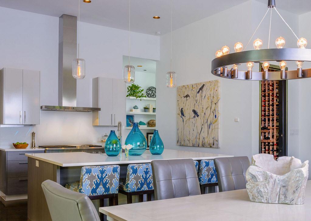 маленькая кухня с голубым декором