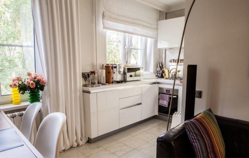 белая кухня столовая