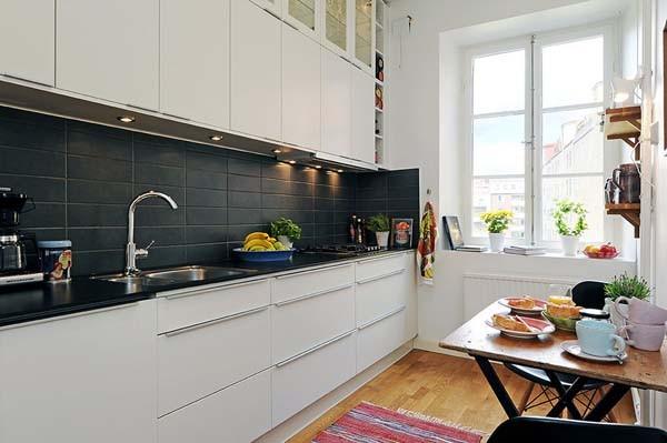 чёрный фартук в интерьере кухни