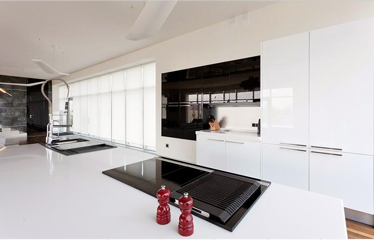 белый цвет на кухне в стиле хай тек 2017