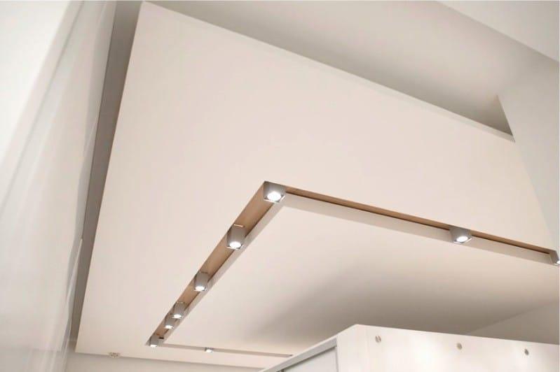 подвесной потолок на кухне в стиле минимализм