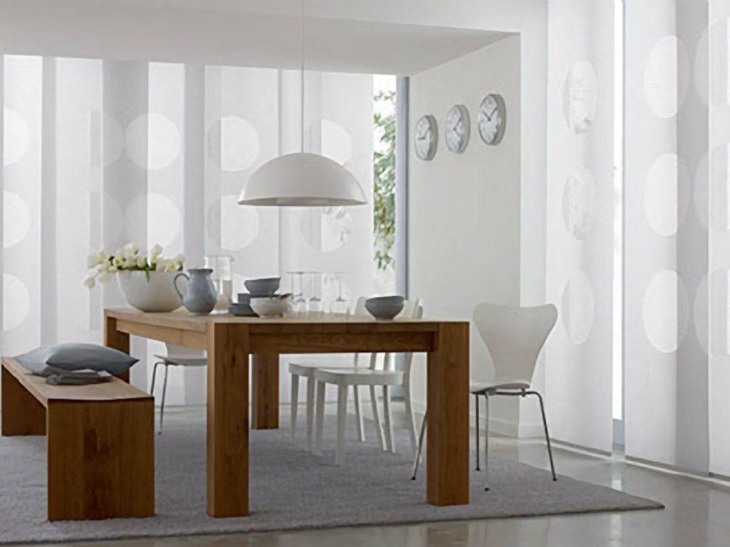 деревянный стол в стиле минимализм
