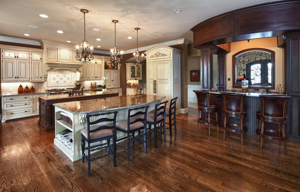 люстры с канделябрами на кухне