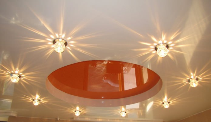 освещение на многоуровневом натяжном потолке