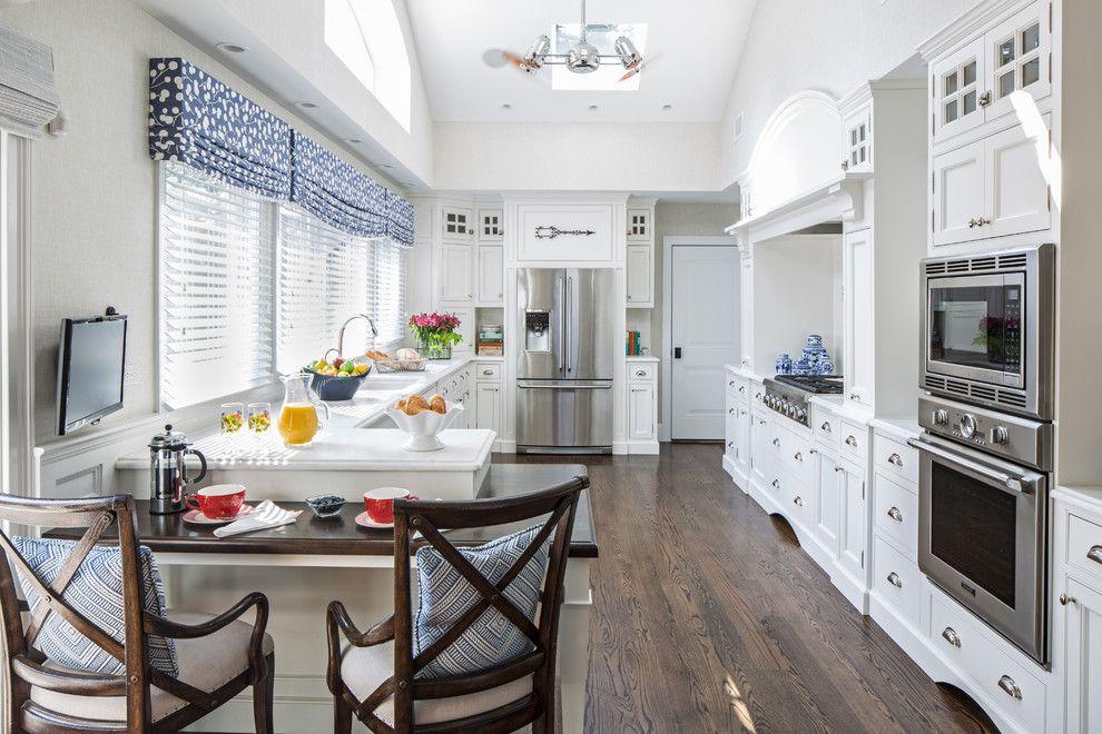 короткие шторы для кухни 2017