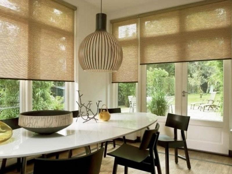 рулонные шторы на кухне 2017