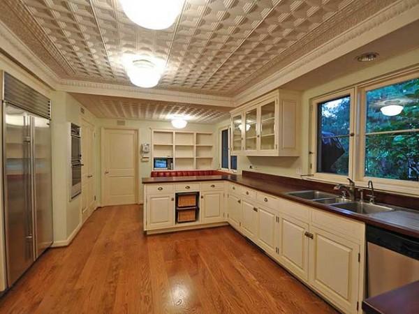 потолочная плитка на кухне