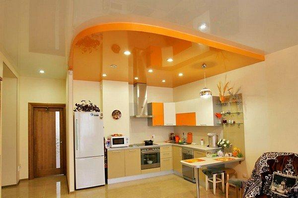 потолок на кухне натяжной