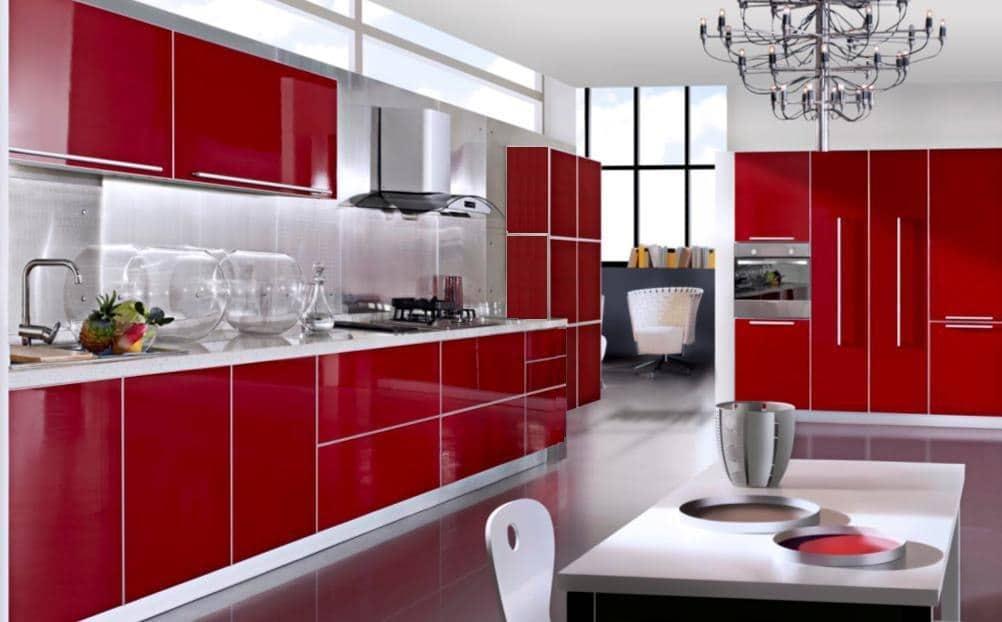 красные фасады на кухне 3 метра