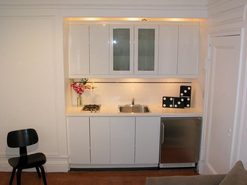 кухня с газовой колонкой скрытой