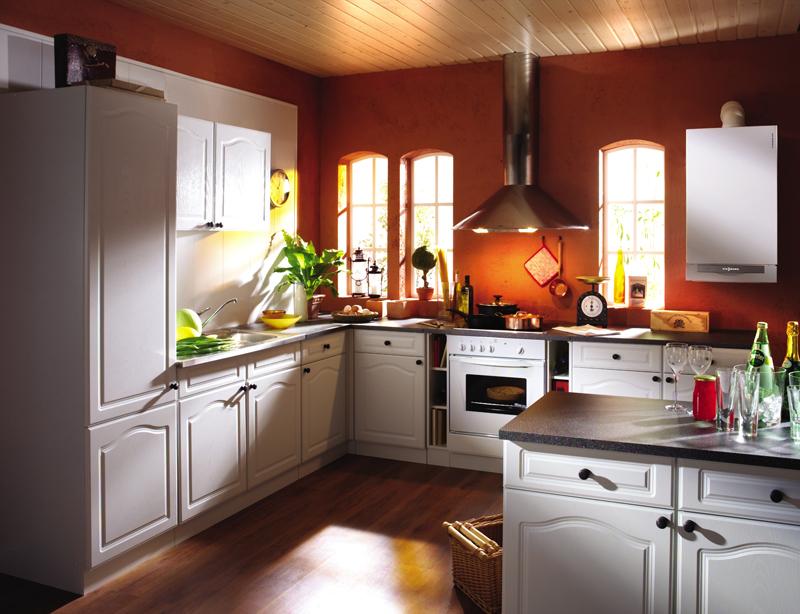 кухня с открытой газовой колонкой