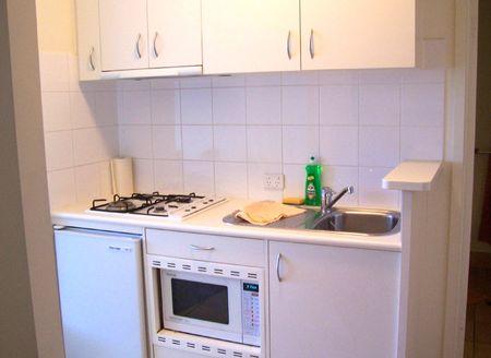 линейная кухня 2 на 3 метра