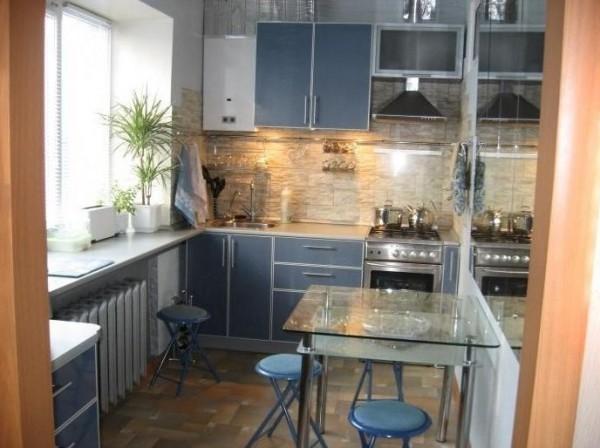 синий на кухне 2 на 3 метра