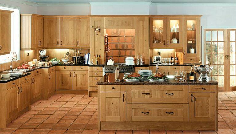 Интерьер кухня дуб