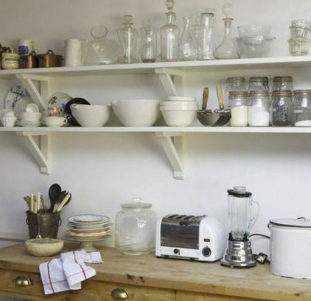 деревянная кухня с открытыми полками своими руками