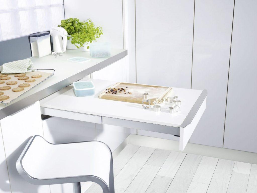 Встроенный столик