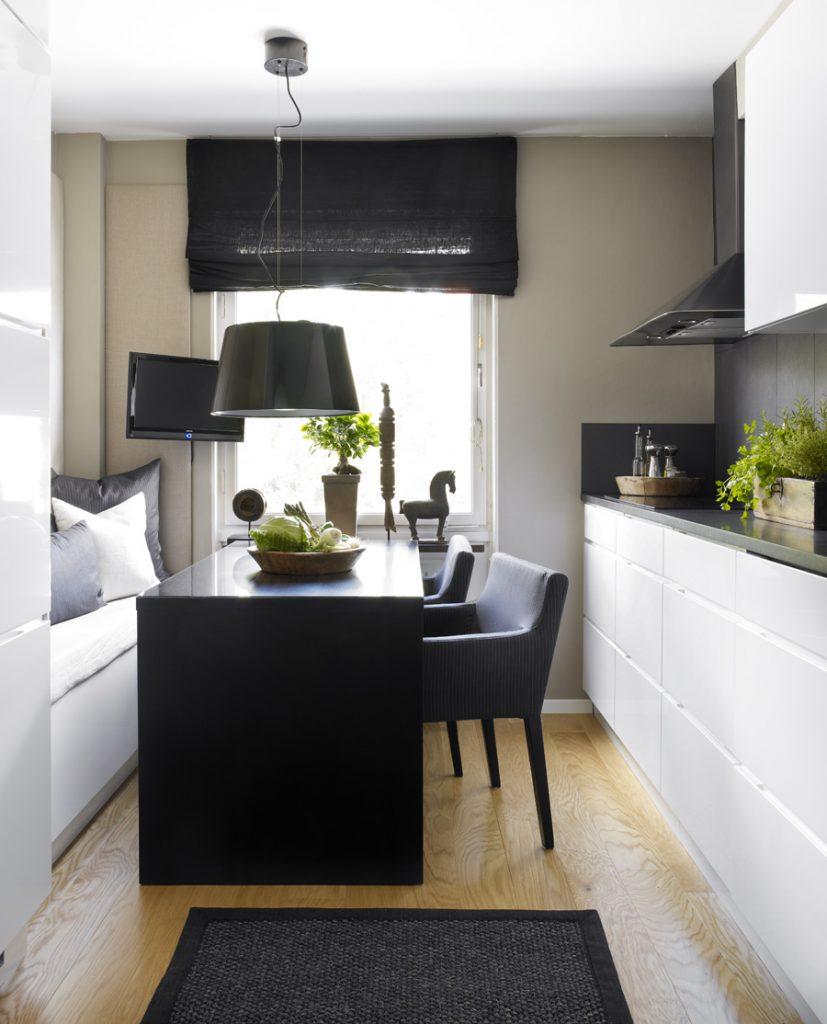 чёрно-белая мебель на кухне в хрущёвке