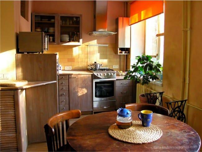 круглый столик на кухне в хрущёвке