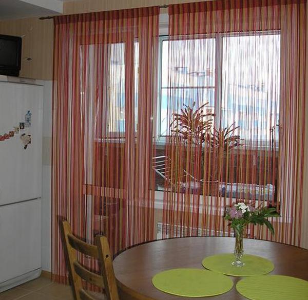 нитьевые шторы для кухни с балконной дверью