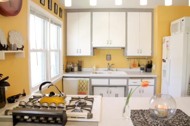 жёлтый на кухне