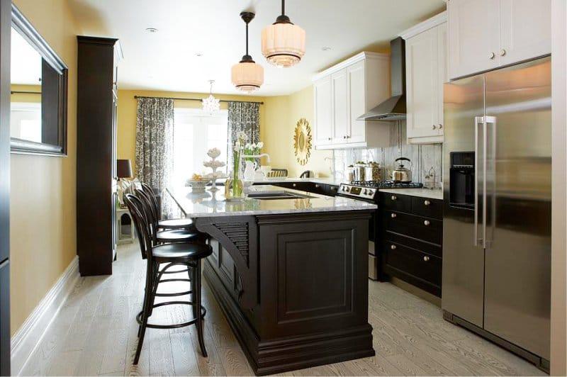 жёлтые стены на кухне
