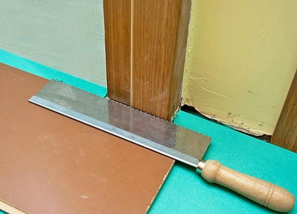 между ламинатом и дверью щель что делать вибратор