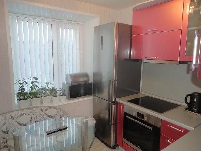 розовая кухня 7 м.кв