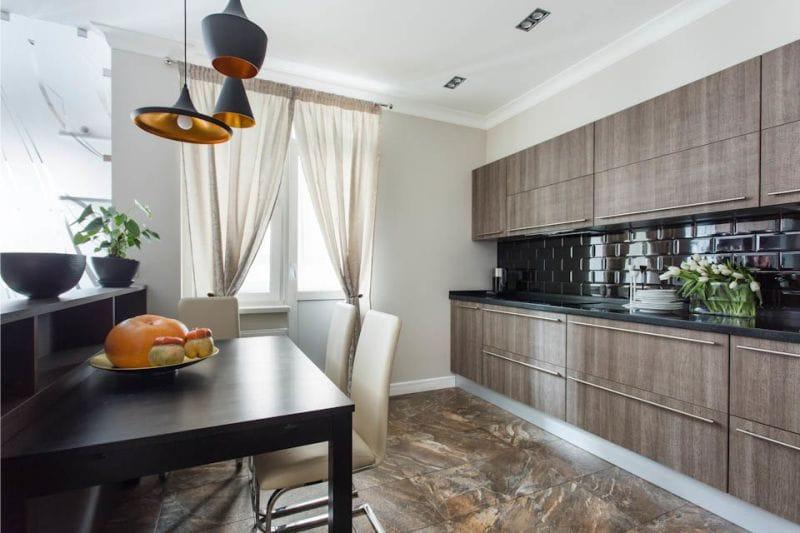 кухня столовая с чёрным фартуком