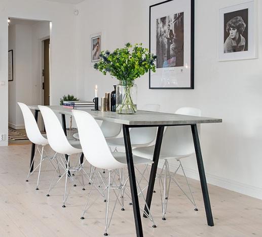 стол и стулья на кухне хай тек