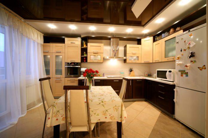 шоколадный натяжной многоуровневый потолок на кухне