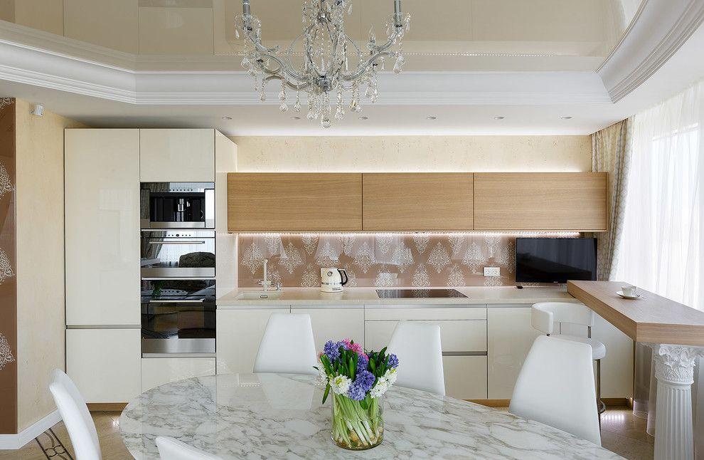 белый натяжной потолок на кухне