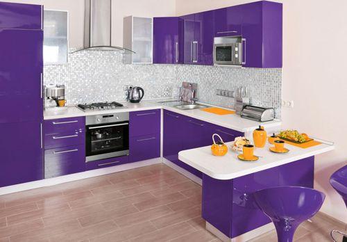 фиолетовый и оранжевый на кухне