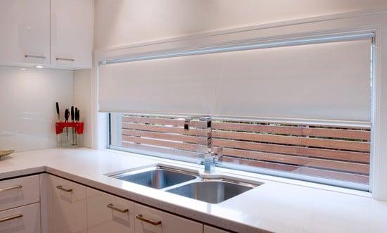 Выбираем рулонные шторы на кухню