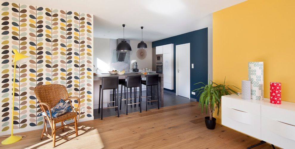 жёлтые обои для кухни 2017