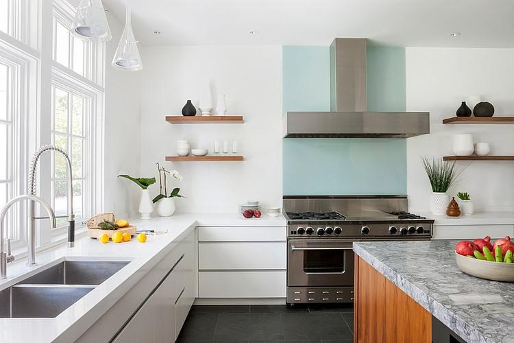 белая кухня после ремонта