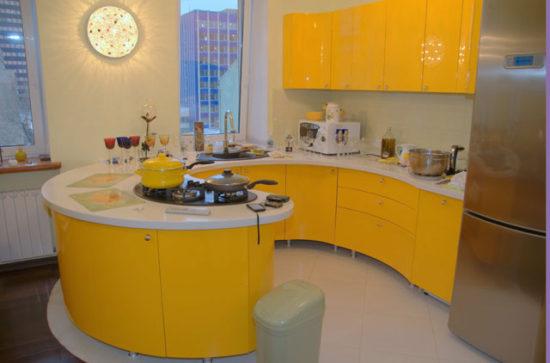 жёлтый в интерьере кухни